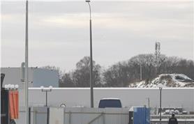 Нагружение весов для большегрузных автомобилей 2-х тонными гирями при поверке, перед вводом в эксплуатацию