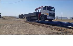 Въезд автомобиля на автомобильные весы ВАЛ-80 тонн по бетонному пандусу (тип автовесов ВАЛ-М- 80/40-24)